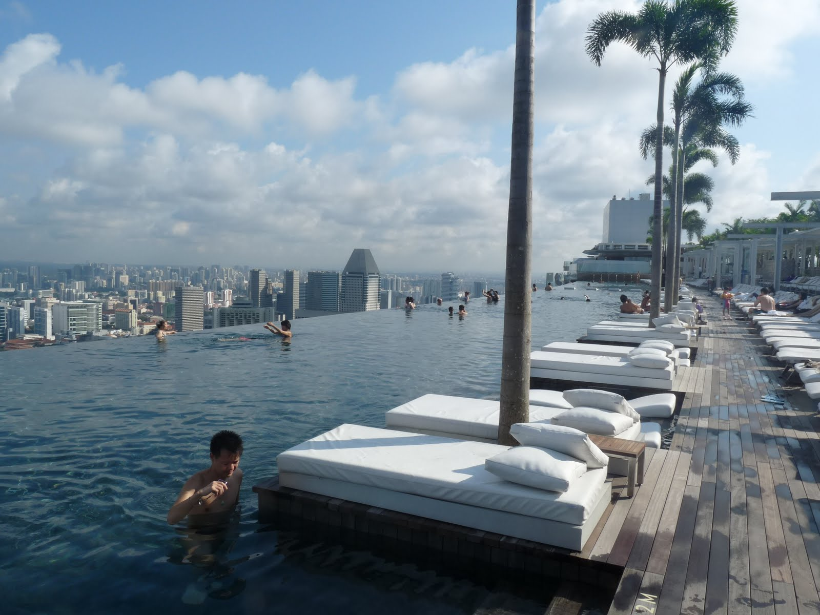 Singapore tintipatravels - Marina bay sands resort singapore swimming pool ...