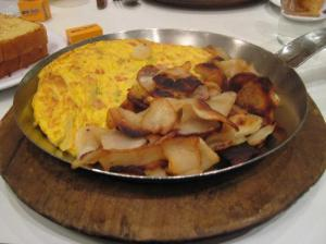 denver-omelet-hash-browns